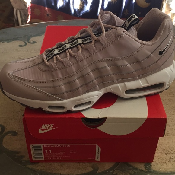 Nike air max 95 SE rose new in box NWT